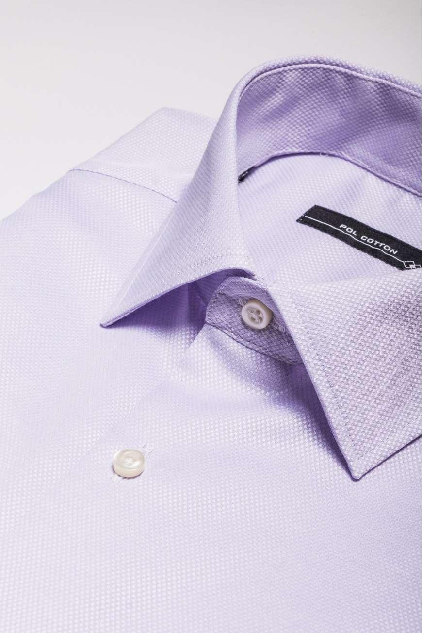 Camisa vestir cuello clásico puño doble lila microdiseño