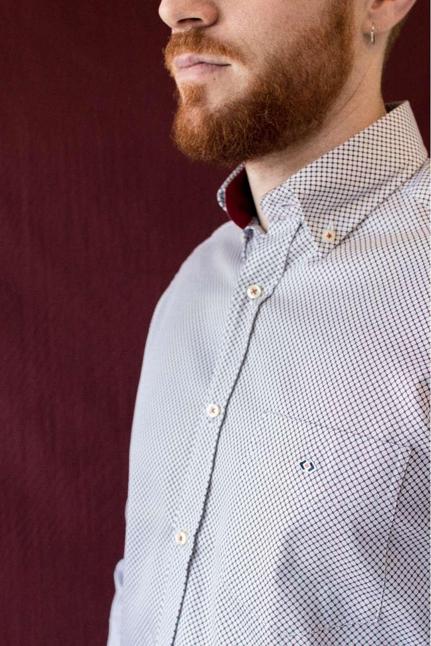 Camisa estampado geométrico granate